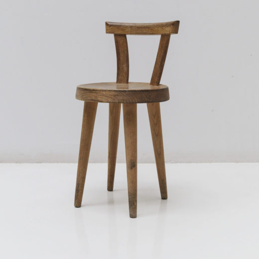 Four legs chair with circulate seat by Charlotte Perriand